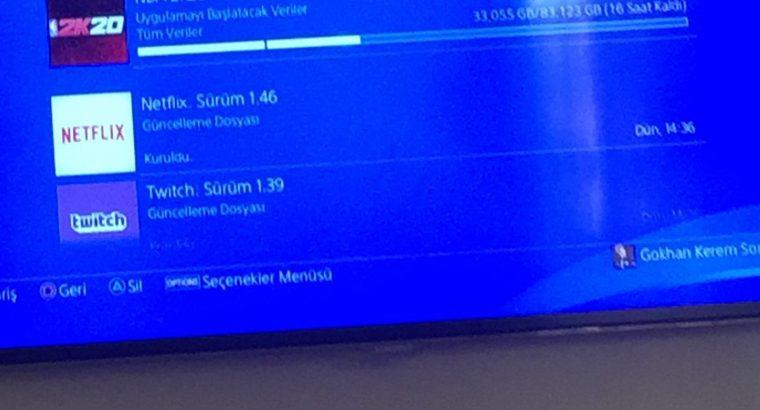 PS4 500 GB + iki adet Dualshock 4